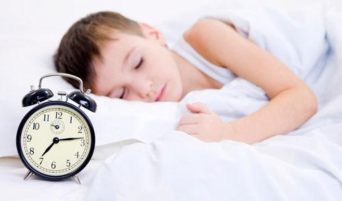 tips-membangunkan-anak-di-pagi-hari